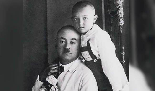 В. Этуш с отцом