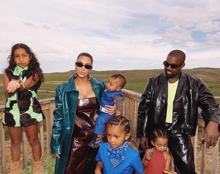 Канье Уэст с семьей